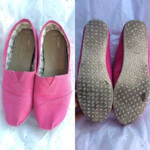 Toms Shoes - Pink gently worn toms shoes sz 6.5