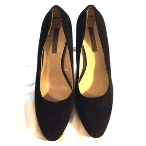 Black suede Mango Pumps