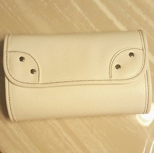 Bare Escentuals Handbags - NWOT Bare Escentuals Makeup Brush Case