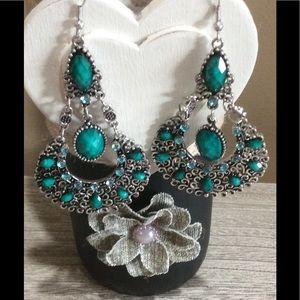 🎉🎉HP🎉🎉🎉Dangle earrings.
