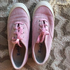 Keds Shoes - pink keds with chevron print