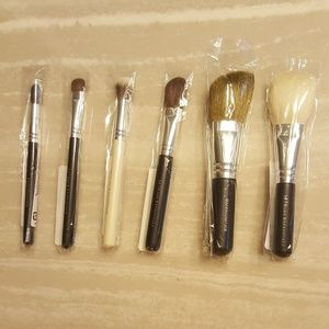 Bare Escentuals Other - 6 Bare Escentuals Makeup Brushes