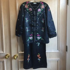 100% silk embroidered Chinese pajama set