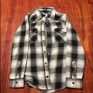 77kids Tops - NEVER WORN BLACK AND WHITE FLANNEL 🖤