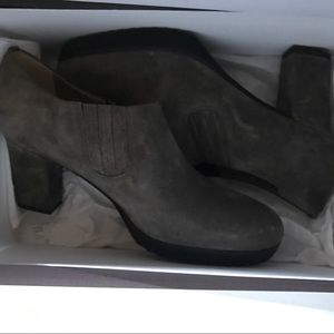 Anyi Lu Shoes - Anyi Lu Grey Suede Booties. New with box. 37