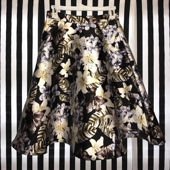 Forever 21 Forever 21 Contemporary A Line Skirt From