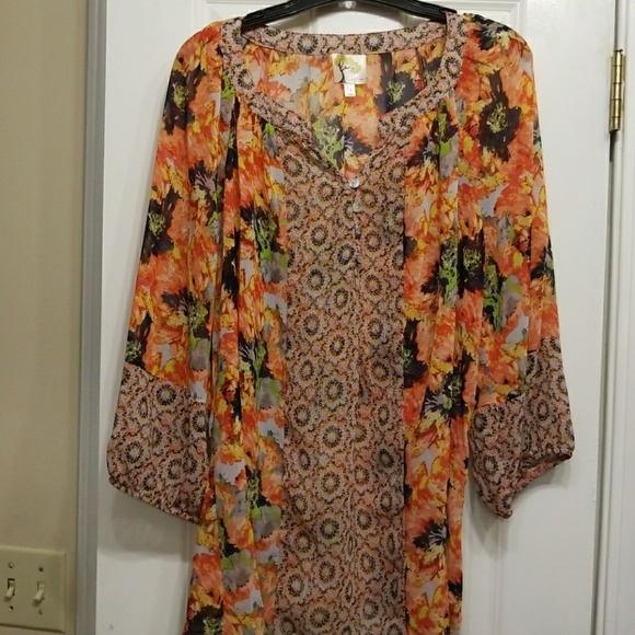 d74ad36c0ddb92 HOST PICK 1X Anthropologie Fig & Flower tunic. M_5948700b9c6fcf12a900c23c.  Other Tops ...