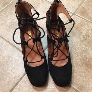 Black Lace up Heels!!