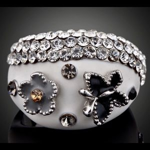 Anthropologie Jewelry - White Gold  Austrian Crystal Butterfly/Flower ring