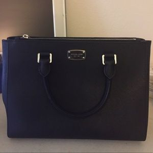 Michael Kors Handbags - Michael Kors Saffiano Bag