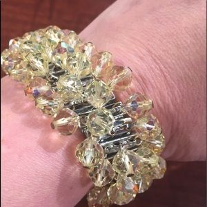 Jewelry - Fab vintage beaded bracelet in yellow/gold