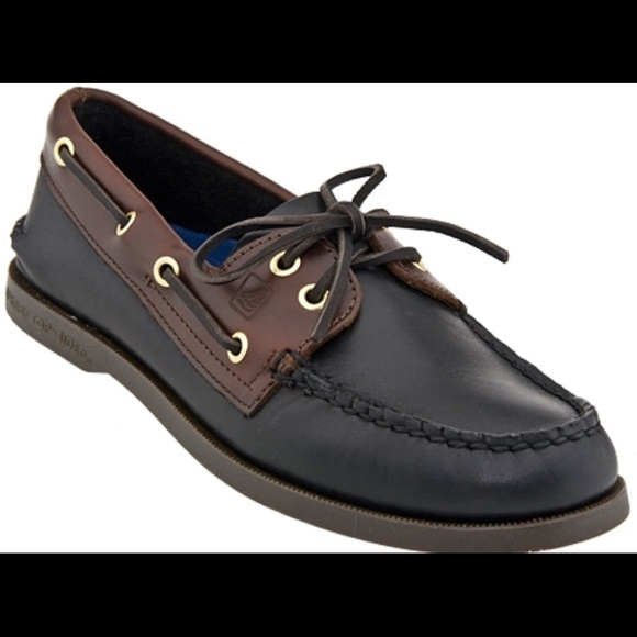 Men's Shoe Sale. Discover authentic, iconic, sea-worthy footwear styles at one-of-a-kind prices with discount men's shoes from Sperry. The Sperry men's shoe sale collection includes a wide variety of the classic and trendy shoe styles that evoke the heritage of the iconic Sperry name, but at specially discounted sale prices.