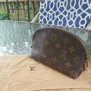 Louis Vuitton Handbags - 💯 Authetic Louis Vuitton cosmetic pouch