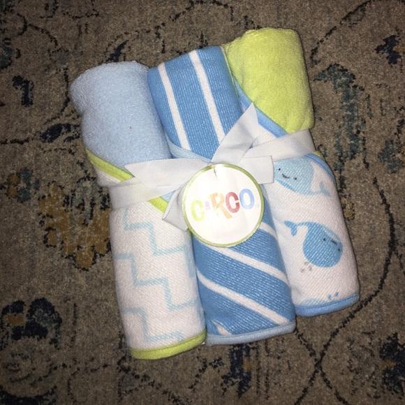 ✨✨FLASH SALE ✨✨Cisco infant bath towelz NWT