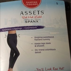 Assets By Spanx Pants - 🎀Assets Spanx Seamless Legging- Colorblock, 🎀