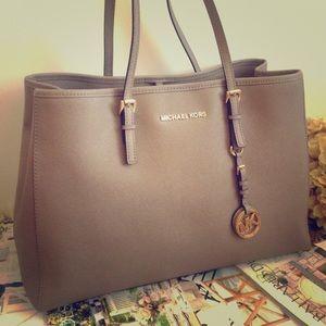 Michael Kors Handbags - Michael Kors taupe handbag