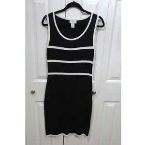 ✨ Carmen Marc Valvo Ribbed Sleevless Dress