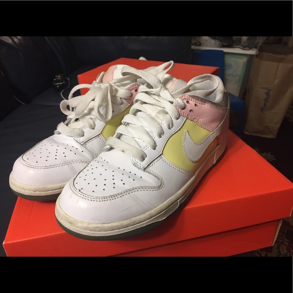 hot sale online ef434 05176 Easter edition Nike dunk low