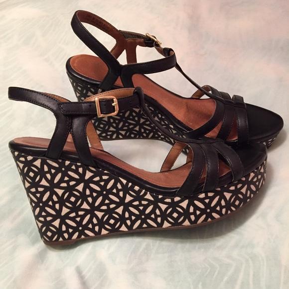 bd781271b5fb Clarks Shoes - Clarks Artisan Amelia Avery Black Wedge Sandals!