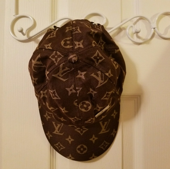 41cf5524fe1b5 Accessories - Fake Louis Vuitton hat