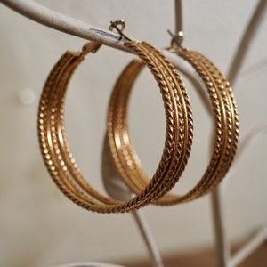 Jewelry - Gold (color) earrings