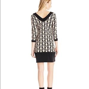 Leota Dresses & Skirts - NWT! Olivia Shift in Sand Geo Diamond