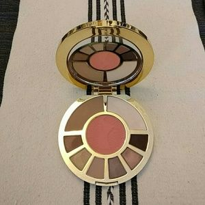 Sephora Other - Tarte showstopper clay palette