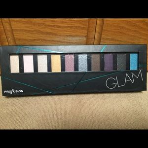Accessorize Other - Brand New Glam Eyeshadow Palette with Brushes!