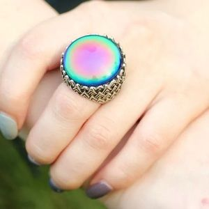 Jewelry - GORGEOUS STATEMENT MOOD RING