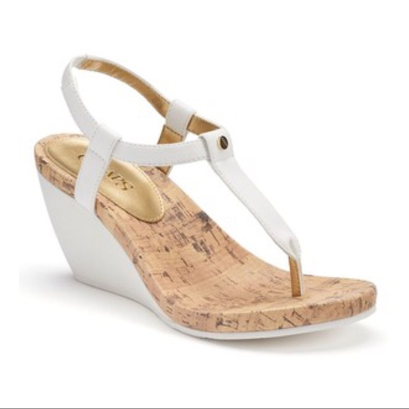244432fd7ad CHAPS WHITE THONG WEDGE SANDALS