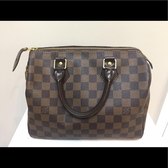 8d2719786afd Louis Vuitton Handbags - Authentic Louis Vuitton speedy 25 Damier Ebene