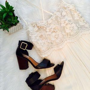 Hollister Dresses & Skirts - Hollister Gold lace Sequin dress