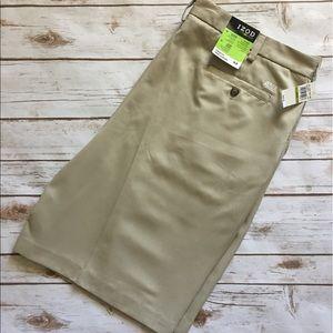 Izod Other - NWT - IZOD Golf - Pleated Golf Shorts (size 44)