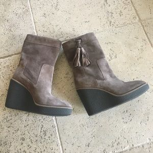 NWOT Aquatalia wedge winter boots