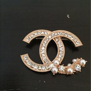 CHANEL Jewelry - Authentic Chanel Clip