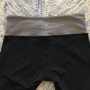 lululemon athletica Pants - Lululemon wunder under - striped band - size 4