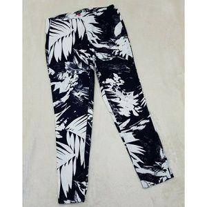 Vince Camuto Blue Palm Print Ankle Pants BB17