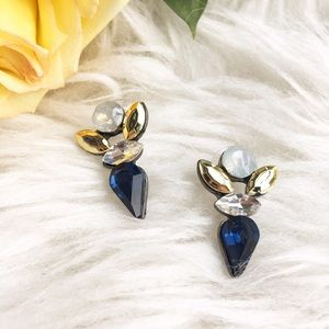 Jewelry - Statement rhinestone stud earrings blue