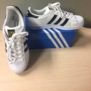 adidas Shoes - BRAND NEW NEVERWORN!! Adidas Superstar W sneakers