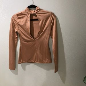 H&M SZ S or 4 KEYHOLE TOP SHIRT CORAL
