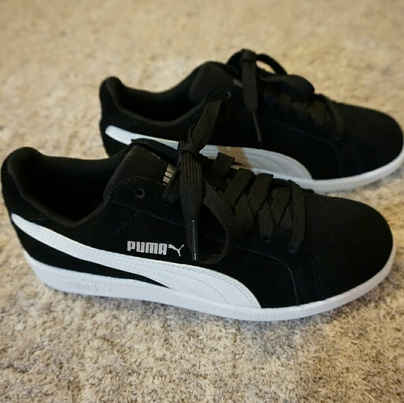 brand new dbb23 84a51 Jr Sneakers Puma Smash Black Sd Fun Poshmark Suede Shoes qxzOSZwTz6