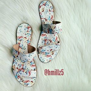 Joie Shoes - ❤MAKE OFFER❤ Joie Sandals In White Floral