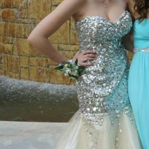 Tony Bowls Dresses & Skirts - Tony Bowls Dress!