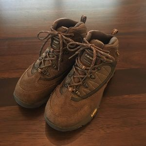 Hi-Tec Shoes - Hi-Tec hiking boots