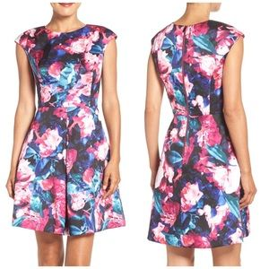 NWT Vince Camuto Floral Pleated Dress