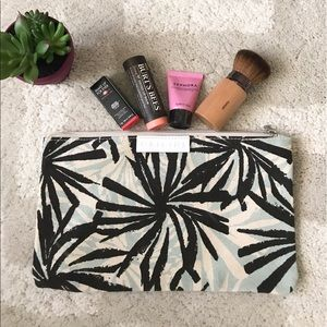 Makeup bag w/goodies