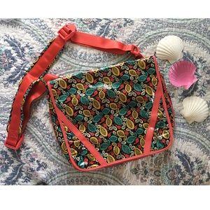 Vera Bradley Handbags - Vera Bradley Messenger Bag