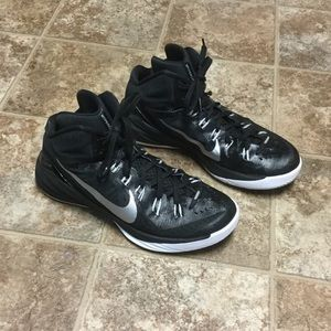 Nike Other - Nike Basketball HyperDunk Shoe 653 483 Size 10