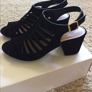 Cute cage style pumps