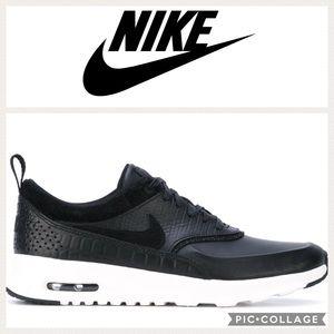 Nike Air Max Thea LX Sneakers {Black} 8.5